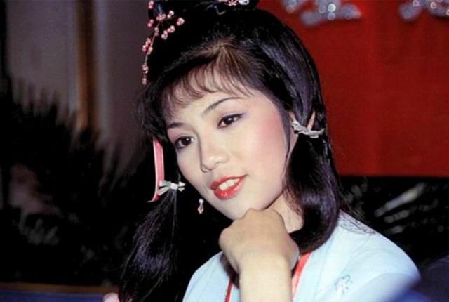 孔琳版黄蓉_6个版本的黄蓉,孔琳成熟,恬妞最胖,最经典最美的却自杀而亡!