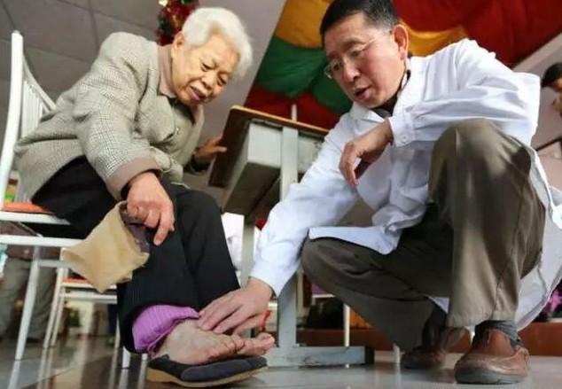 血管堵的人,四肢会出现五种迹象,若1个不占,血管真的很健康!