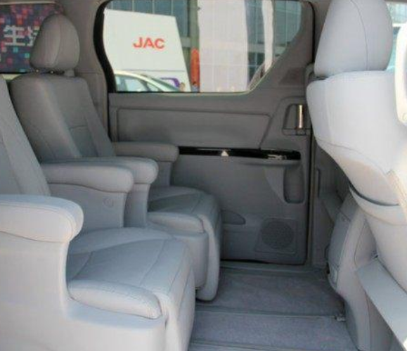 又一款MPV!长度超5米,配电动侧滑门+航空座椅卖23万