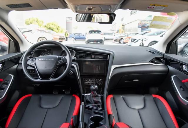 外观精致乘坐舒适,实力派启辰D60让你体验精致驾行