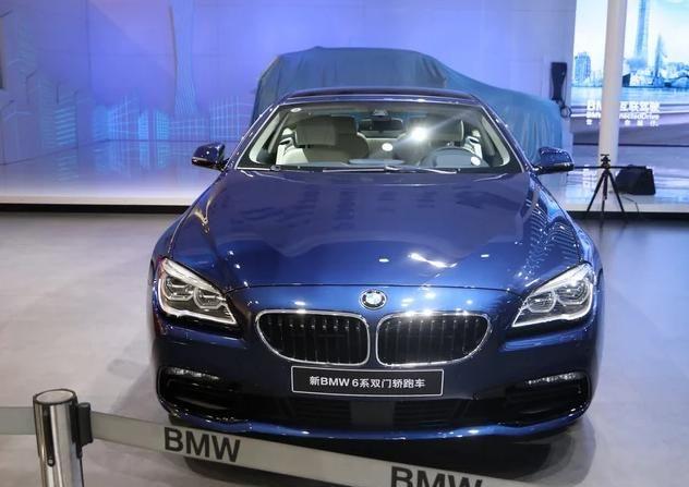 宝马M6:外观设计很大气,豪华感很强烈