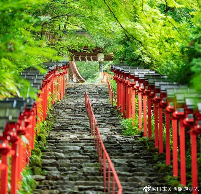 京都洛北贵船神社的四季风采