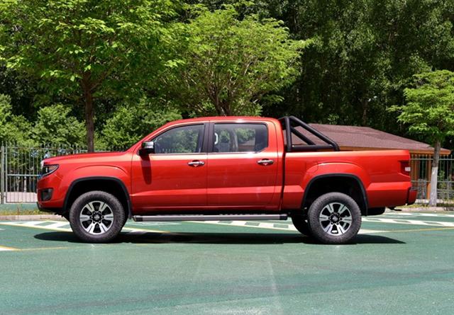 一星期卖出7800台,11万起配2.5T和四驱,外观就是霸气
