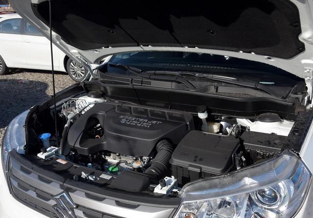 一台被车标毁掉的SUV,全进口发动机和变速箱,百公里6个油