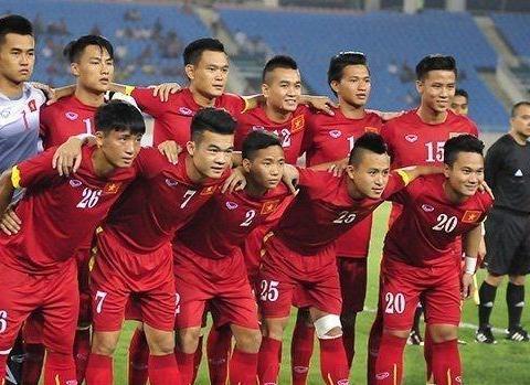 国足输球仍��.���,��k_他们虽然输球但是仍让人尊重,他们的战斗精神值得国足学习啊!