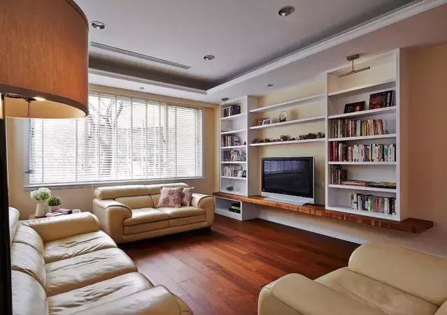 14,干爽的电视墙,两遍打开就是收纳柜             :背景墙装修设计