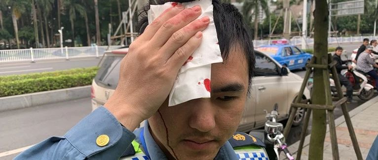 头破血流!南宁一男子非法营运电动车还砸执法人员