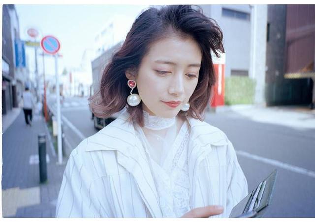 李诞妻子照片引争议,是西方文化太开放还是要放飞?