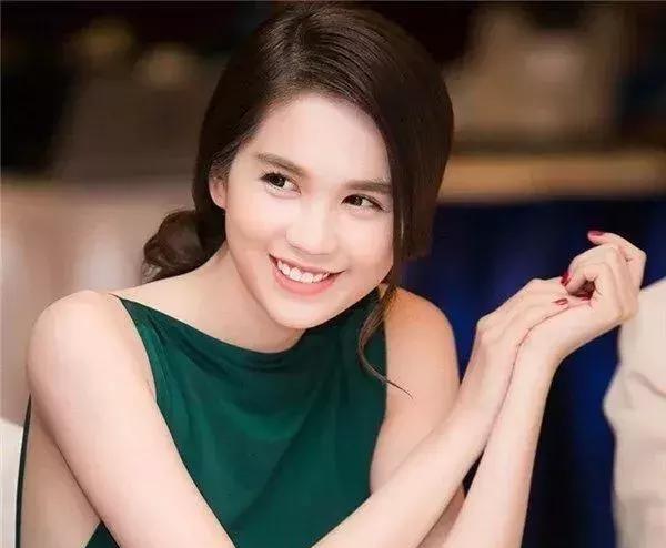 东南亚美女塔丽娜全部色�_东南亚第一美女竟是她!撞脸天王嫂昆凌,身材赛过林志玲