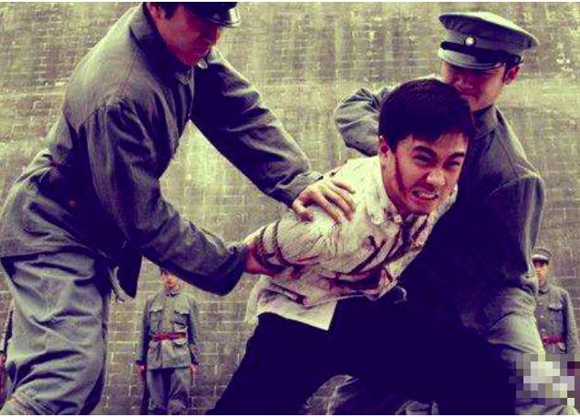 百姓党元老吴稚晖出卖学生,导致陈延年露并身份,后不幸牺牲