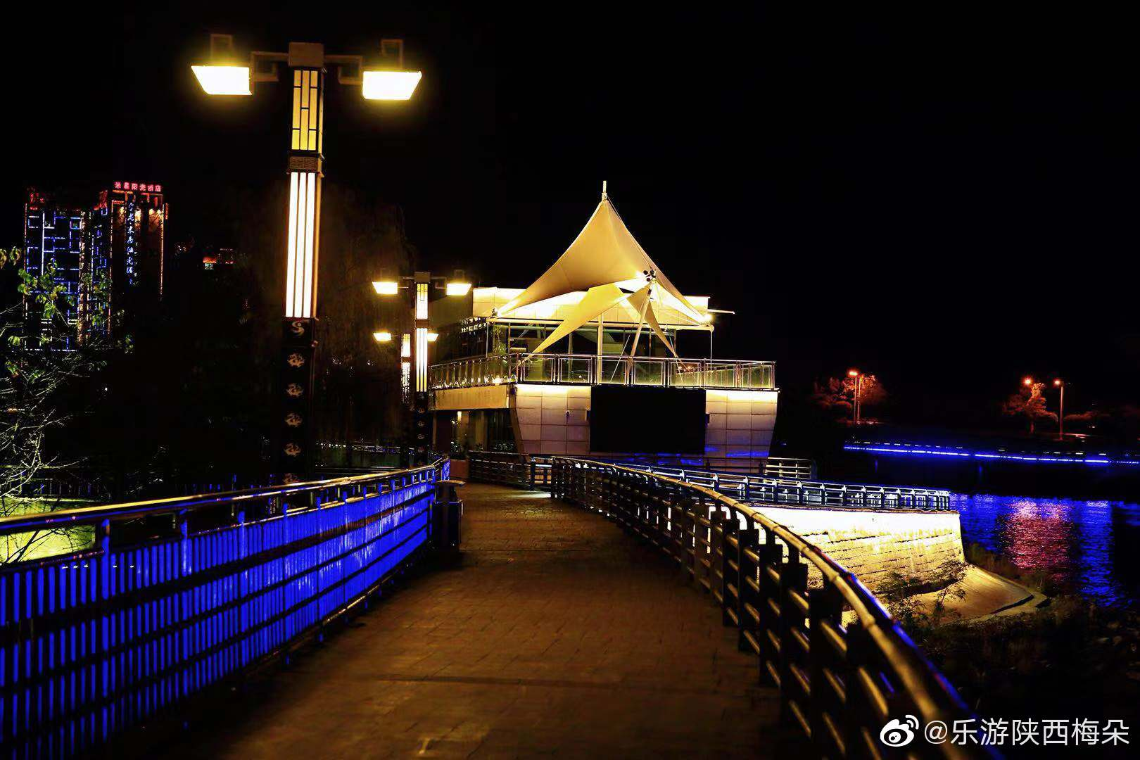四川攀枝花华丽夜景