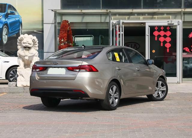 裸车优惠不足11万!配全景天窗,依旧卖不动的合资B级车!
