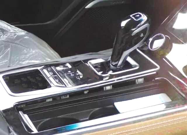 全新捷途X95现身路试 新增电子档杆 290扭矩配1.6T+双离合