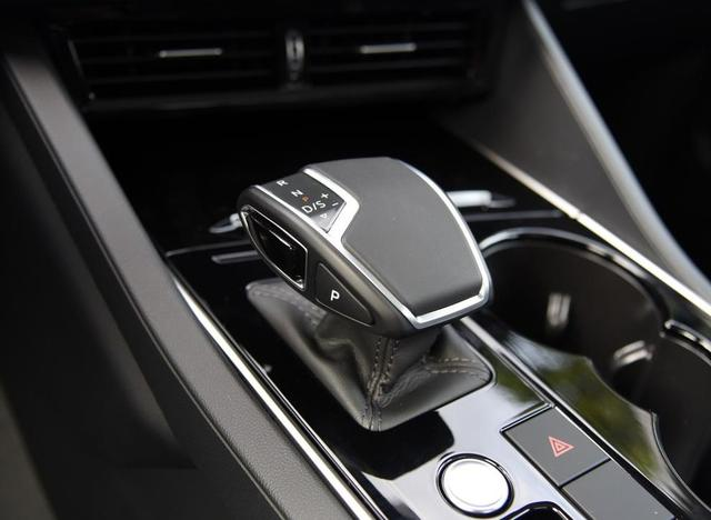标配托森四驱和空气悬挂 全系8AT 这应该是性价比最高的德系SUV