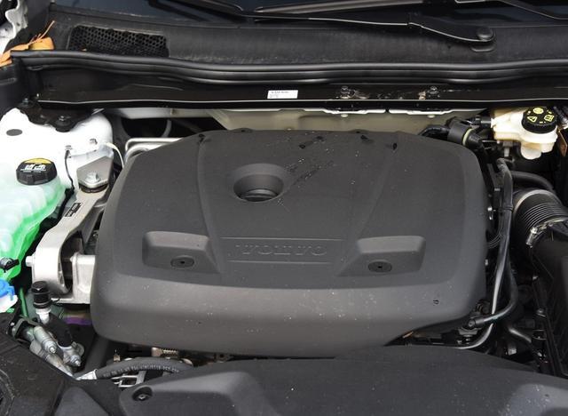 最安全的紧凑型豪华车,20万内标配9只气囊+全景天窗的,只有这台