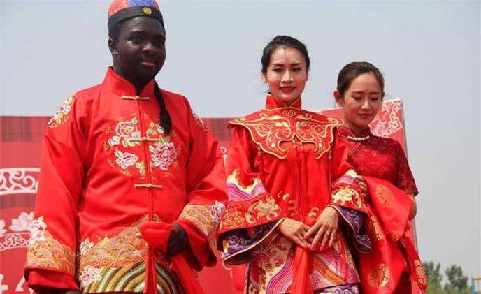 骚妇舔鸡鸡视频421天津女孩_婚礼 结婚 688_421