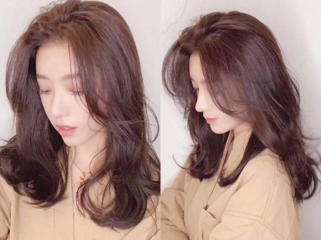 微烫卷的发型是2019年最流行的烫发哦,这种发型的设计是最自然的,卷图片