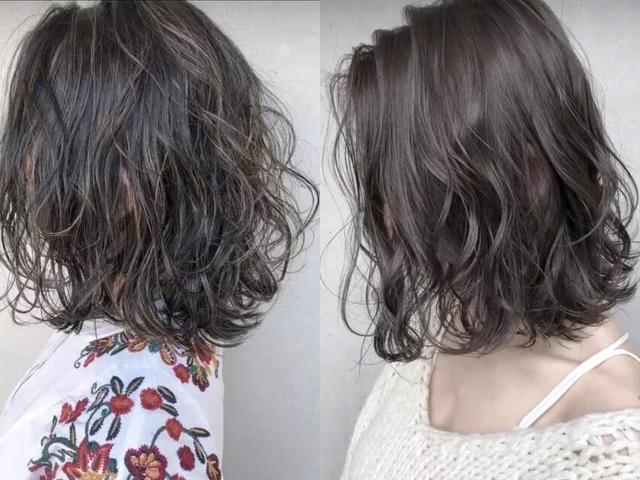 """2019年流行""""短烫卷""""发型,不仅好看,还显脸小!图片"""