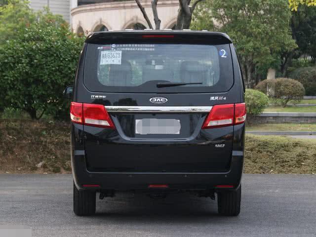 国产最良心MPV,车长5米2,配1.9T柴油机,比宝骏上一个档次