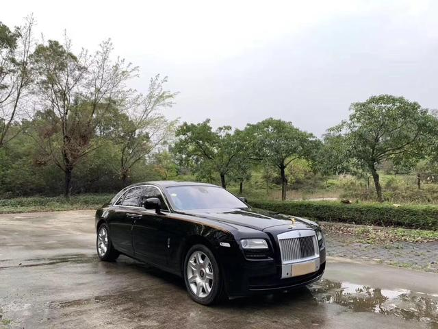 这辆劳斯莱斯现价98万出售,处处彰显精致绝无丝毫妥协