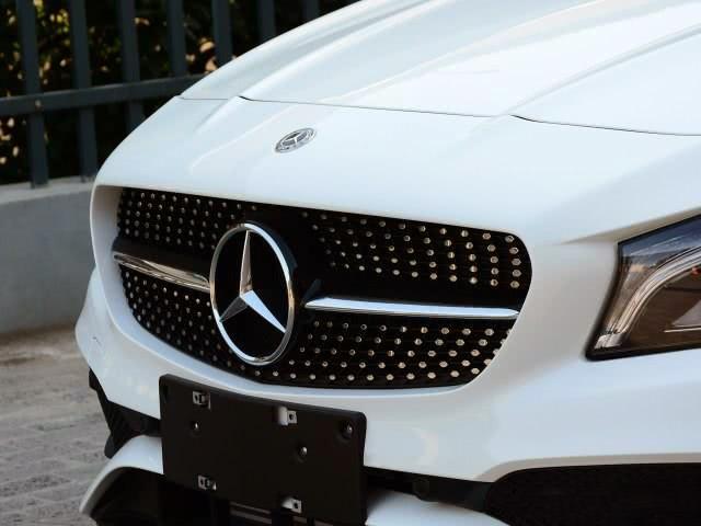进口的奔驰小跑车,售价不到20万,颜值不低于奔驰C级