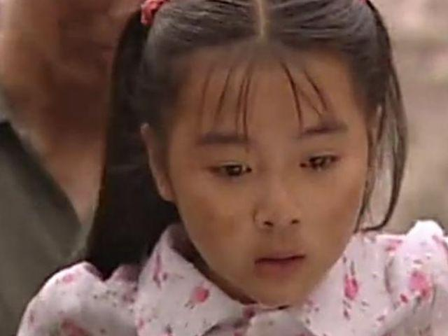"""她是释小龙的""""初恋"""",14岁爆红全国,如今美的不可方物"""