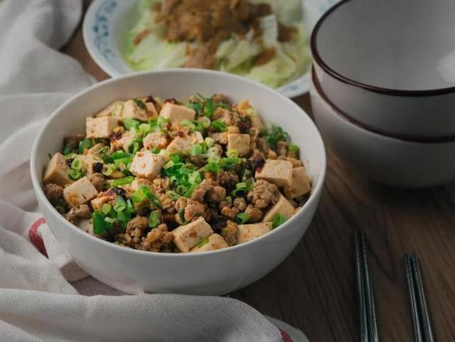 麻婆豆腐拌面,一道非常过瘾的主食