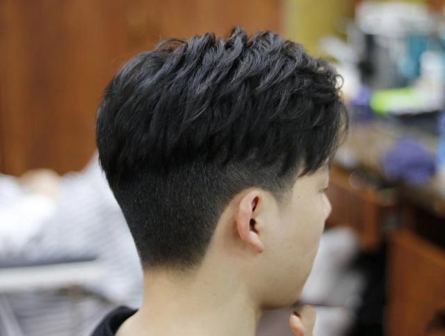 2019最新款男版韩式发型,拥有它,你就是整条街最靓的仔
