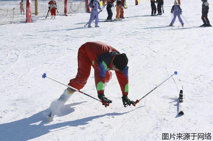 滑雪前应该做怎样的准备?这几点你不得不注意!