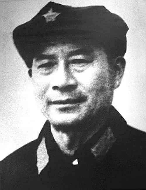 他是红军里最年轻的指挥员,晋升速度比林彪快,就连毛主席都惊讶
