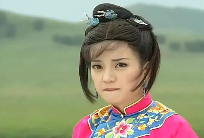 同样一个发型,为什么很适合小燕子,却一点也不适合紫薇图片