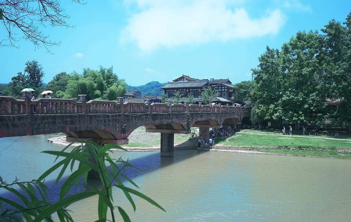 四川成都旅游必去10个景点,各个风景优美,流连忘返!