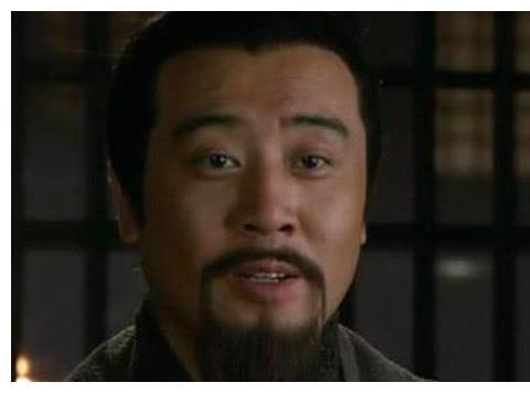 三顾茅庐真是刘备甘愿礼贤下士?《出师表》中一句话道出真相