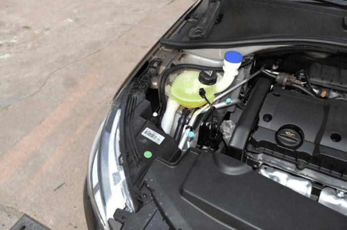最便宜法系家轿! 1.6L配ESP 4安全气囊吊打英朗 仅7万还是自动挡