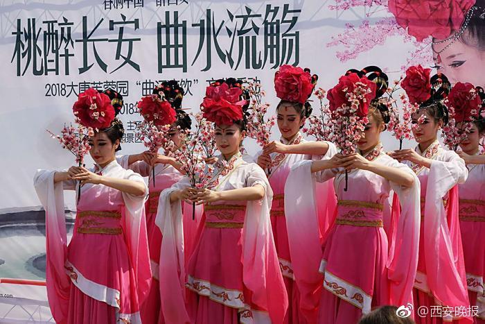 外交部长王毅就中国外交政策和对外关系答记者问