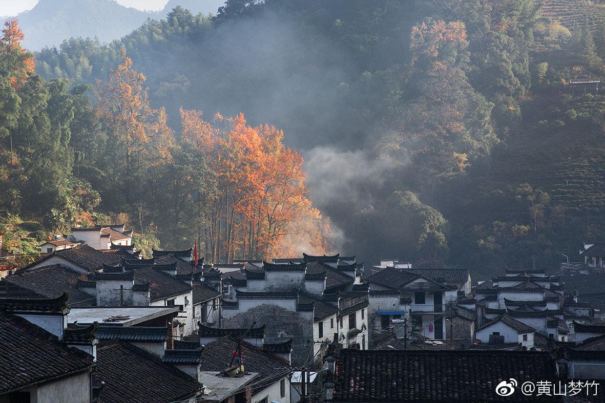 初冬季节 找个安静的小山村