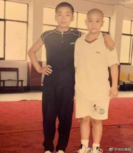 12岁王宝强和8岁释小龙96年合影,差距一目了然
