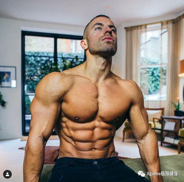 1、先添补胸肌集体的肌肉量