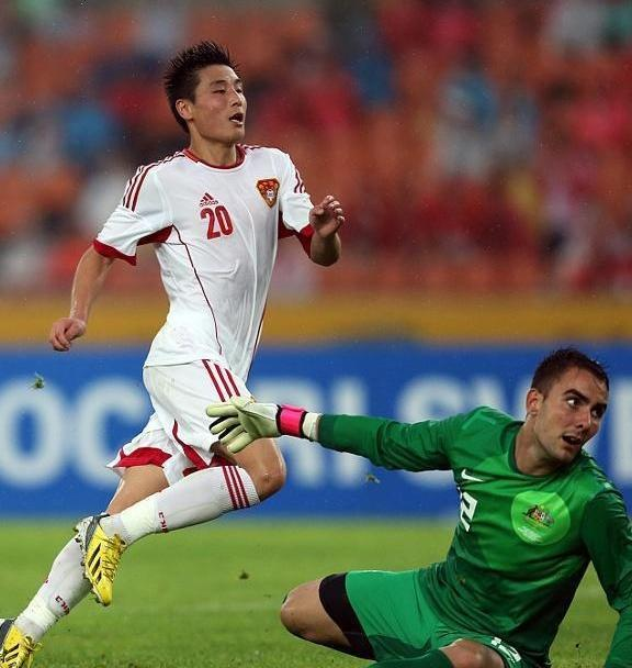亚洲杯中国足球队将会遇到伊朗足球队,我们要