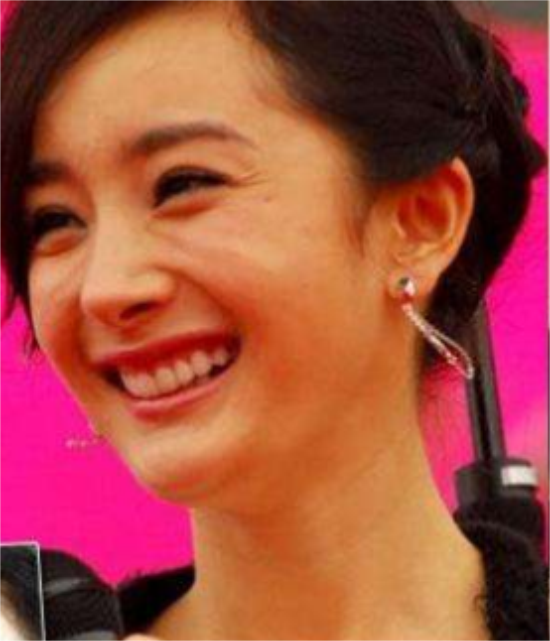 赵丽颖大笑可爱,杨幂大笑皱纹显露,她的大笑却让人毛骨悚然!