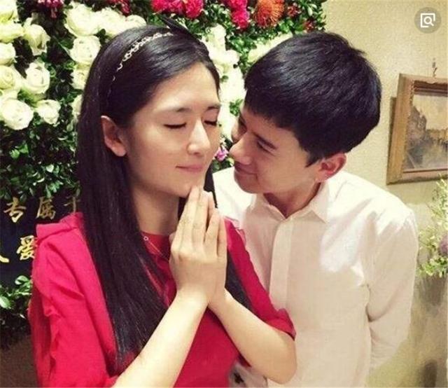 张杰和谢娜婚姻幸福,首次晒出两女儿照片,穿着裙子可爱又呆萌!