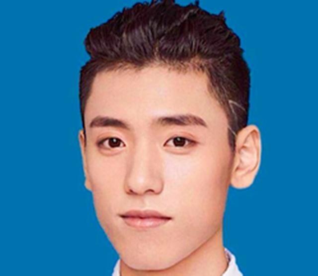 男明星证件照曝光:林彦俊高冷,朱正廷阳光,还是他最帅图片