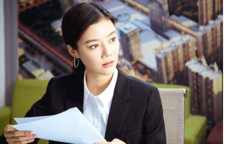 时隔8年,车晓终于说出与山西首富离婚的内幕,受到网友心疼!
