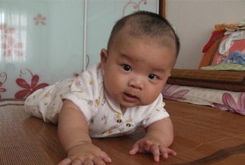 4个月宝宝长牙啦 四个月宝宝发育指标和护理要点