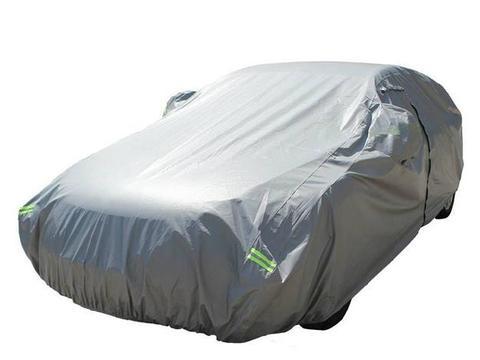 """买新车后,车内要备上这4个""""小物件"""",老司机:都是多年的经验"""