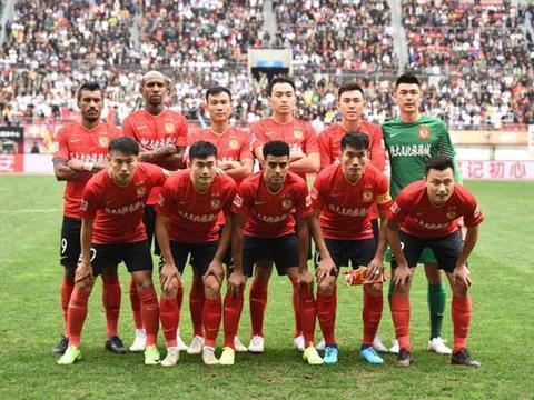 广州恒大3:0贵州,上港2:0鲁能,中超争冠大戏的高潮要来了