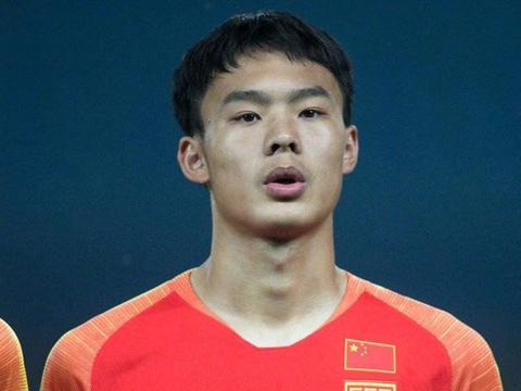 中国球员需要有梦想!国青小将陶强龙:我有一个巴萨梦!