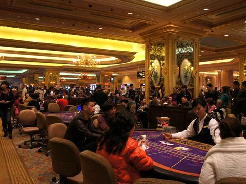 澳门赌场允许游客体验,为什么却严禁拍照?赌场保安讲出原因!