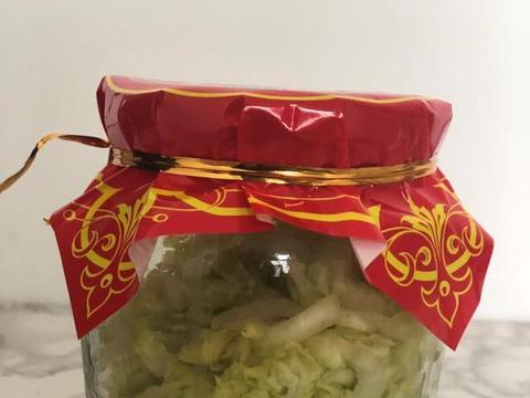 东北有椺&$z~Y��&_用罐头瓶腌东北酸菜,做法简单,实在太好吃了,想想就会流口水