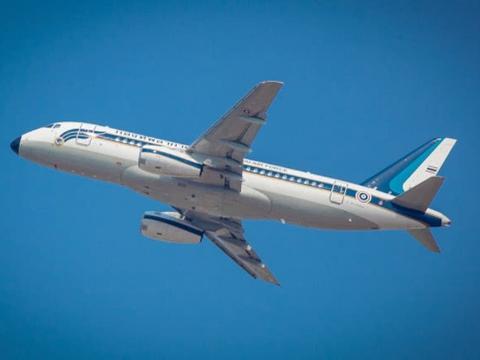 伊朗发生空难:波音707货机失控坠毁,内部乘员不幸全部遇难